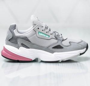 6cf8d0c33f861 Buty sportowe Adidas w sportowym stylu na koturnie sznurowane