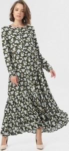 Sukienka born2be z okrągłym dekoltem z długim rękawem