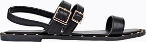 Czarne sandały Gate z klamrami w rockowym stylu z płaską podeszwą