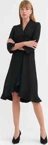 Sukienka BGN midi z długim rękawem z dekoltem w kształcie litery v