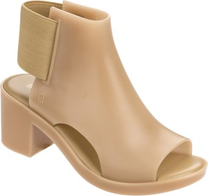 Brązowe sandały Melissa w stylu casual na średnim obcasie na obcasie