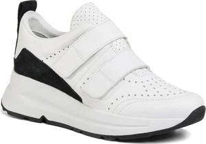 Buty sportowe Geox z zamszu