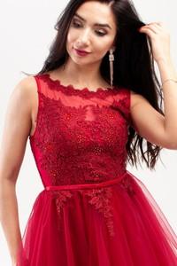 Czerwona sukienka Butik Ecru z okrągłym dekoltem bez rękawów rozkloszowana