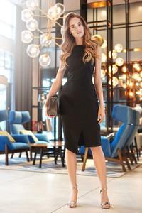 Sukienka Style z tkaniny midi z okrągłym dekoltem
