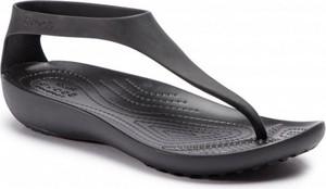 Sandały Crocs z płaską podeszwą