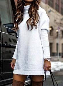 Sukienka Cikelly w stylu casual prosta