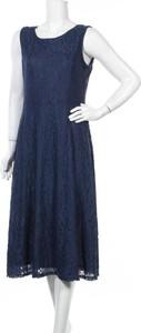 Sukienka Suzanne Betro bez rękawów z okrągłym dekoltem