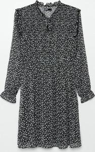Sukienka Cropp mini w stylu casual