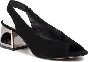 Czarne sandały Quazi na średnim obcasie