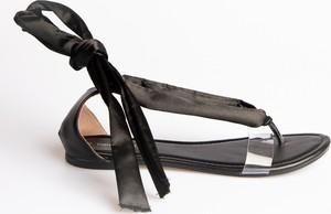 Czarne sandały Gate w stylu casual z płaską podeszwą