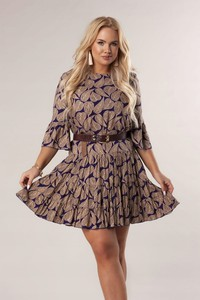 Sukienka Inna z długim rękawem w stylu casual mini