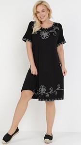 Sukienka born2be z okrągłym dekoltem z krótkim rękawem mini