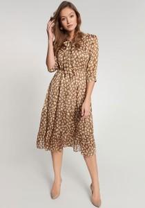 Sukienka QUIOSQUE rozkloszowana w stylu casual