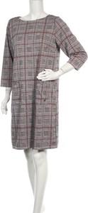 Sukienka Multiblu prosta w stylu casual