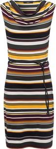 Sukienka Zero dopasowana mini w stylu casual
