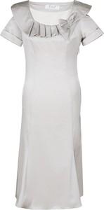 Sukienka Fokus rozkloszowana z tkaniny z krótkim rękawem