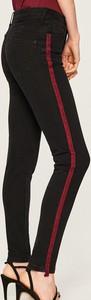 Jeansy Reserved z jeansu w młodzieżowym stylu