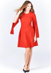 Sukienka Fokus z okrągłym dekoltem z długim rękawem