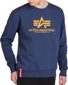 Niebieska bluza Alpha Industries w młodzieżowym stylu z bawełny