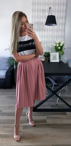 Różowa spódnica L'Amour midi