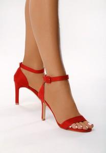 Czerwone sandały born2be na szpilce
