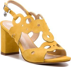 Żółte sandały Solo Femme na słupku na średnim obcasie w stylu casual