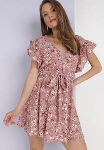 Różowa sukienka born2be z dekoltem w kształcie litery v mini z krótkim rękawem
