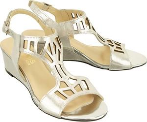 Sandały Gamis Collection na średnim obcasie z klamrami ze skóry