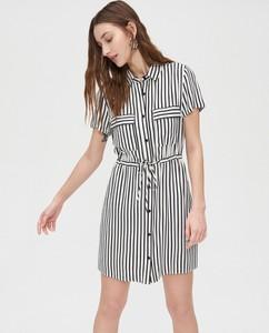 Sukienka Cropp szmizjerka z krótkim rękawem