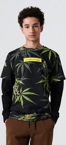 Czarna koszulka z długim rękawem Cropp z nadrukiem