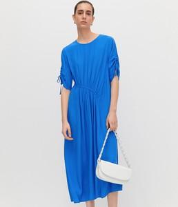 Niebieska sukienka Reserved z okrągłym dekoltem maxi