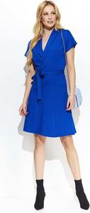 Niebieska sukienka Makadamia z dekoltem w kształcie litery v