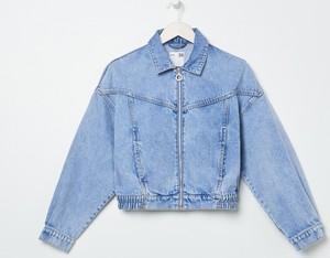 Niebieska kurtka Sinsay z jeansu w stylu casual krótka