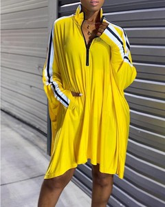 Sukienka Kendallme mini w stylu casual z dekoltem w kształcie litery v