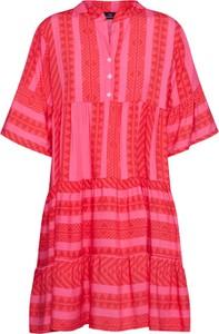 Czerwona sukienka Zwillingsherz w stylu casual z kołnierzykiem oversize