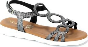 Sandały Maciejka z płaską podeszwą z klamrami