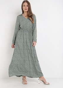 Zielona sukienka born2be z dekoltem w kształcie litery v maxi