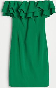 Zielona sukienka Reserved mini z krótkim rękawem z odkrytymi ramionami