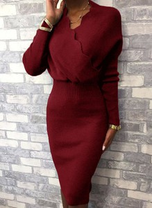 Czerwona sukienka Sandbella z długim rękawem w stylu casual