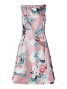 Różowa sukienka Christian Berg Cocktail