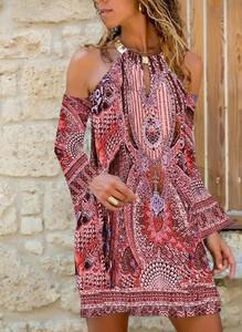 Sukienka Sandbella z dekoltem typu choker z długim rękawem