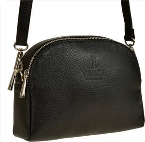 Czarna torebka vezze na ramię w stylu glamour