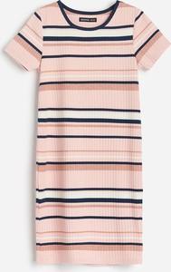 Różowa sukienka dziewczęca Reserved w paseczki