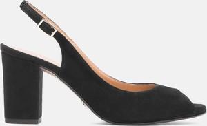 Czarne sandały Kazar na średnim obcasie na obcasie