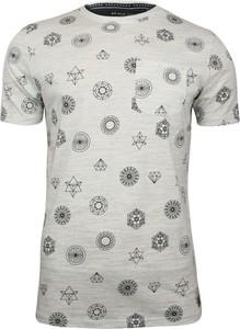 T-shirt Brave Soul z nadrukiem w młodzieżowym stylu z tkaniny