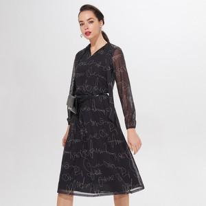 Czarna sukienka Mohito z długim rękawem midi w stylu casual