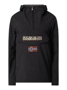 Czarna kurtka Napapijri Cross Coll w młodzieżowym stylu