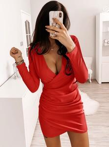 Czerwona sukienka Pakuten z długim rękawem mini