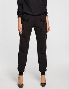 Czarne spodnie sportowe MOE