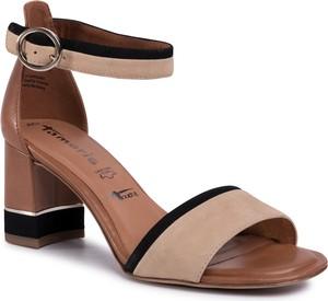 Brązowe sandały Tamaris z klamrami na obcasie ze skóry ekologicznej